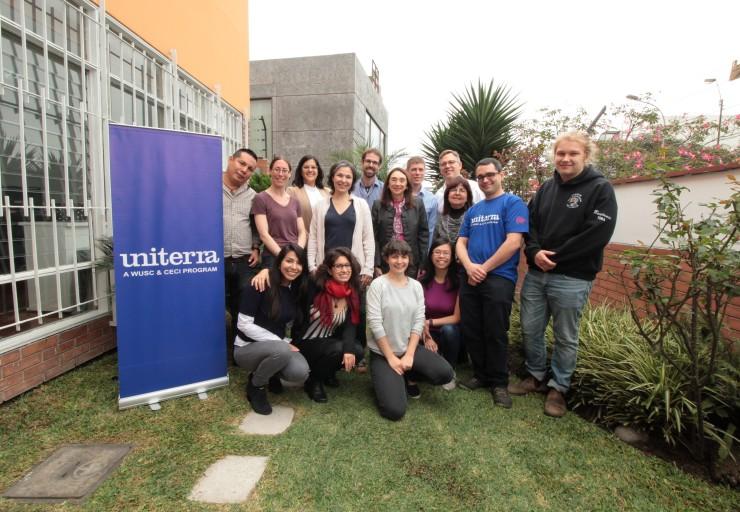L'équipe d'Uniterra dans les bureaux de Lima.